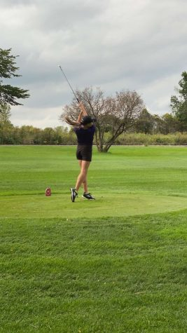 Girl's Golf Goes to the Green